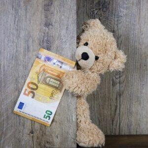 Годовой бухгалтерский отчёт за 2013 год за 50€. Автор/источник фото: Pixabay.com.
