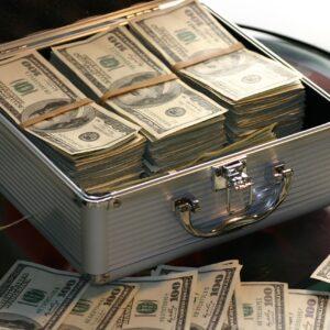 Чистый отток капитала из России за 11 месяцев этого года вырос в 3,4 раза и достиг $28 млрд. Автор/источник фото: Pixabay.com.
